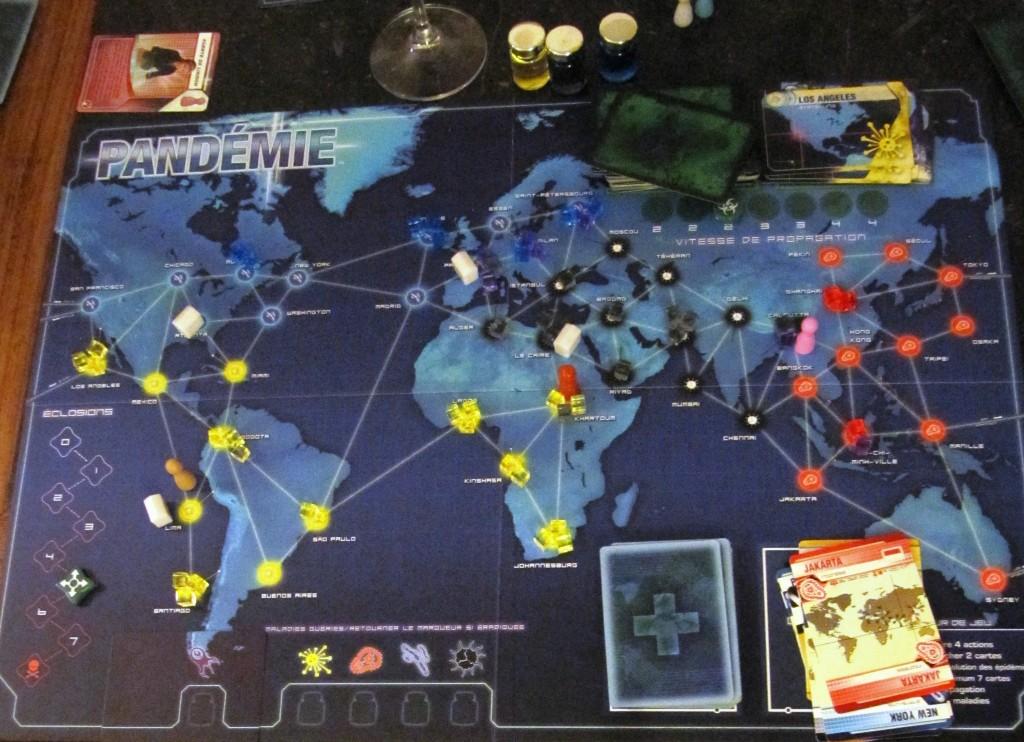 806 Pandemis au seuil