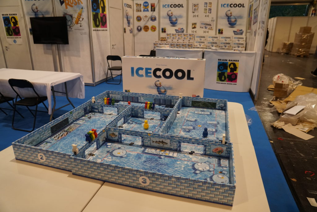 On ne le voit pas bien comme ça, mais c'est Ice Cool est géant!