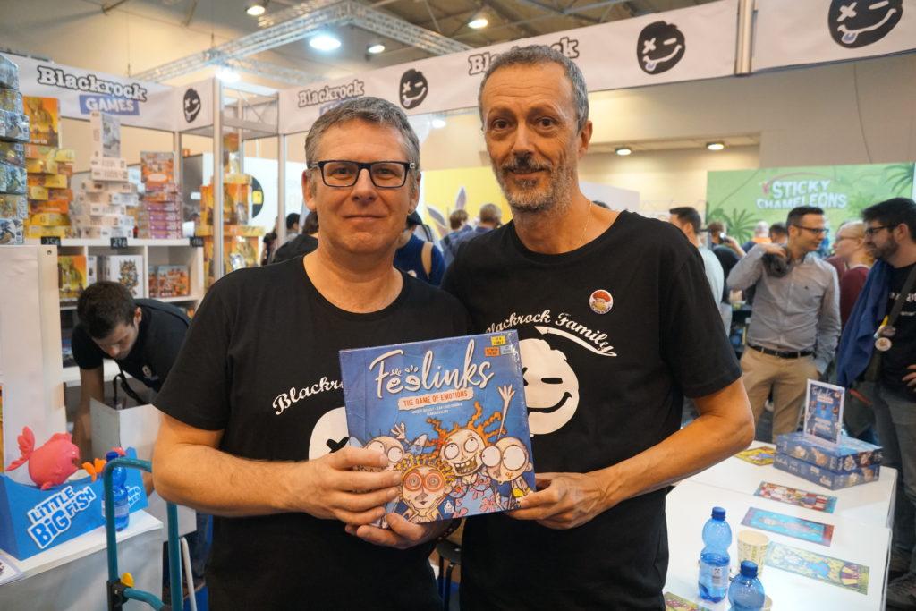 Les 2 auteurs de Feelings (Vincent à gauche et Jean-Louis à droite, l'auteur de Dixit). C'était une très chouette rencontre et Vincent nous a dit avoir particulièrement apprécié l'article qu'on avait publié sur son proto il y a plus d'un an. Voilà qui fait super plaisir :-)