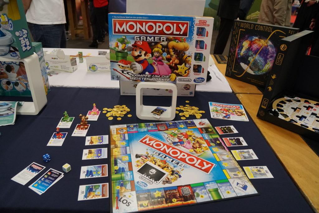 Monopoly gamer. Hou, je croyais que c'était un monopoly pour les gamers :-D